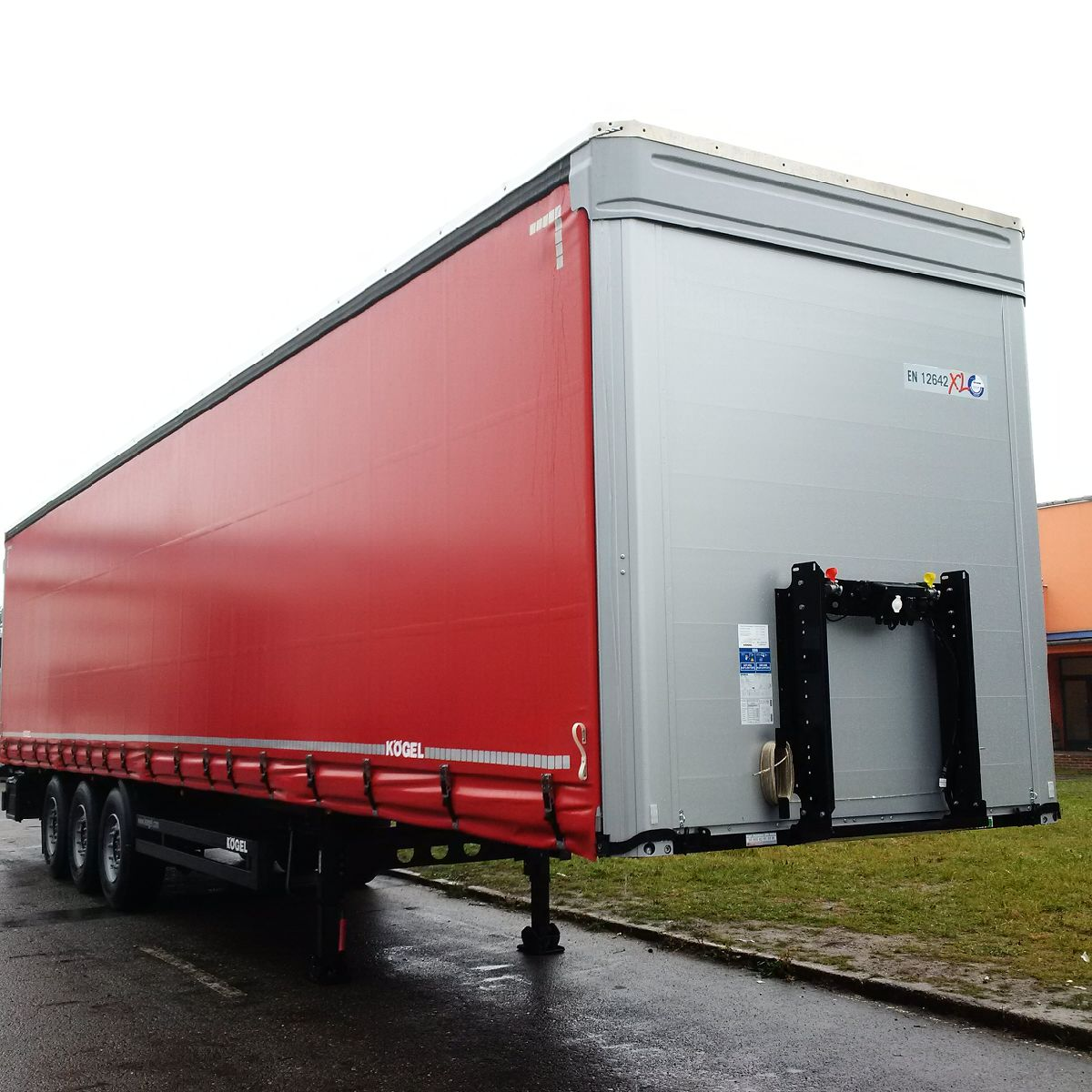 Kögel Cargo Maxx red
